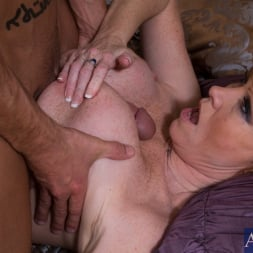 Darla Crane in 'Naughty America' and Billy Hart in My Friends Hot Mom (Thumbnail 10)