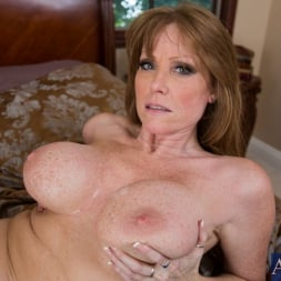 Darla Crane in 'Naughty America' and Billy Hart in My Friends Hot Mom (Thumbnail 11)