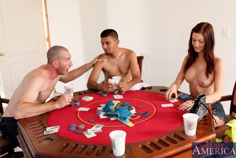 proigral-svoyu-devushku-v-poker-porno-zhestkoe-porno-krasivimi