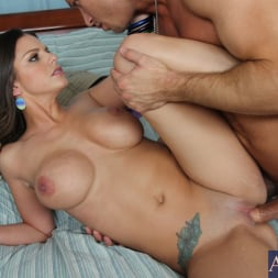 Brooklyn Chase in 'Naughty America' and Bill Bailey in My Wife's Hot Friend (Thumbnail 10)