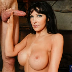 Diana Prince in 'Naughty America' and Jordan Ash in Seduced by a cougar (Thumbnail 10)