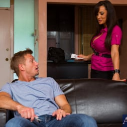 Lisa Ann in 'Naughty America' and Bill Bailey in Seduced by a cougar (Thumbnail 1)