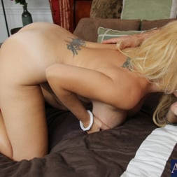 Charlee Chase in 'Naughty America' and Alan Stafford in My Friends Hot Mom (Thumbnail 13)