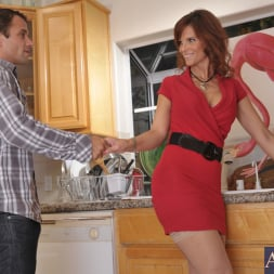 Syren De Mer in 'Naughty America' and Alan Stafford in My Friends Hot Mom (Thumbnail 1)
