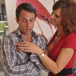 Syren De Mer in 'Naughty America' and Alan Stafford in My Friends Hot Mom (Thumbnail 2)