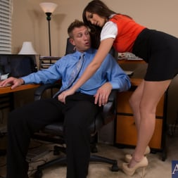Holly Michaels in 'Naughty America' and Bill Bailey in Naughty Office (Thumbnail 3)
