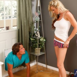 Sindy Lange in 'Naughty America' and Tyler Nixon in My Friends Hot Mom (Thumbnail 3)