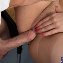 Ashlynn Leigh in 'Naughty America' and Johnny Sins in Naughty Bookworms (Thumbnail 6)