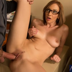 Izzy Taylor in 'Naughty America' and Alec Knight in Naughty Bookworms (Thumbnail 7)