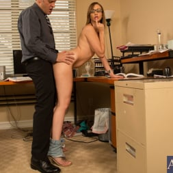 Izzy Taylor in 'Naughty America' and Alec Knight in Naughty Bookworms (Thumbnail 13)