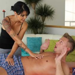 Dana Vespoli in 'Naughty America' and Bill Bailey in My Naughty Massage (Thumbnail 3)