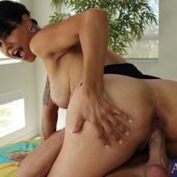 Dana Vespoli in 'Naughty America' and Bill Bailey in My Naughty Massage (Thumbnail 8)