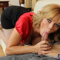 Amber Lynn Bach in 'Naughty America' and Giovanni Francesco in Seduced by a cougar (Thumbnail 4)