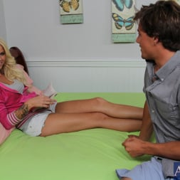 Jessa Rhodes in 'Naughty America' and Tyler Nixon in Fast Times (Thumbnail 2)
