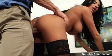 Anissa Kate and Johnny Sins in Naughty Office
