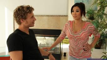 London Keyes in 'and Michael Vegas in My Friend's Hot Girl'