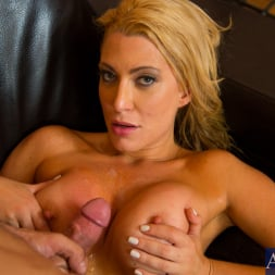 Jennifer Best in 'Naughty America' and Alan Stafford in My Friends Hot Mom (Thumbnail 11)
