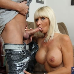 Kasey Storm in 'Naughty America'  and Kris Slater in My Friends Hot Mom (Thumbnail 4)