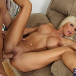 Kasey Storm in 'Naughty America'  and Kris Slater in My Friends Hot Mom (Thumbnail 9)