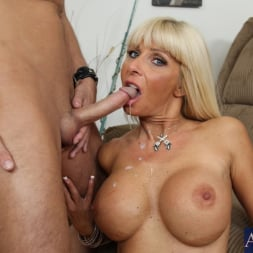 Kasey Storm in 'Naughty America'  and Kris Slater in My Friends Hot Mom (Thumbnail 11)