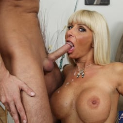 Kasey Storm in 'Naughty America'  and Kris Slater in My Friends Hot Mom (Thumbnail 15)