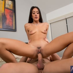 Lyla Storm in 'Naughty America' and Johnny Castle in My Dad's Hot Girlfriend (Thumbnail 7)