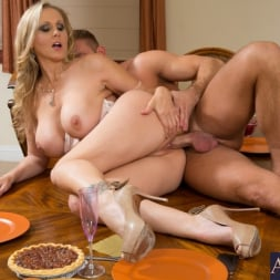 Julia Ann in 'Naughty America' and Bill Bailey in My Dad's Hot Girlfriend (Thumbnail 8)