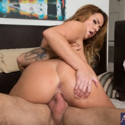 Elexis Monroe in 'Naughty America' and Alan Stafford in My Friends Hot Mom (Thumbnail 9)