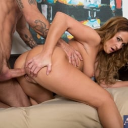 Elexis Monroe in 'Naughty America' and Alan Stafford in My Friends Hot Mom (Thumbnail 14)