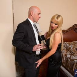 Nikki Benz in 'Naughty America' and Johnny Sins in My Dad's Hot Girlfriend (Thumbnail 2)