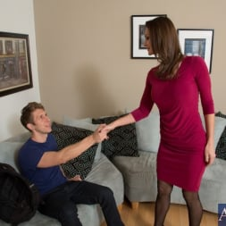 Nora Noir in 'Naughty America' and Danny Wylde in My Friends Hot Mom (Thumbnail 1)