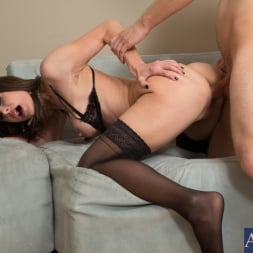Nora Noir in 'Naughty America' and Danny Wylde in My Friends Hot Mom (Thumbnail 14)