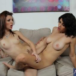 Kiera Winters in 'Naughty America' and Raven Rockette in Lesbian Girl on Girl (Thumbnail 10)