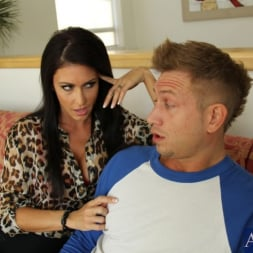 Jessica Jaymes in 'Naughty America' and Bill Bailey in My Friends Hot Mom (Thumbnail 2)