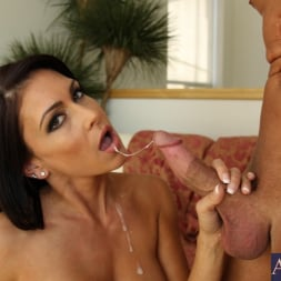 Jessica Jaymes in 'Naughty America' and Bill Bailey in My Friends Hot Mom (Thumbnail 11)
