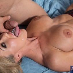 Brandi Love in 'Naughty America' and Giovanni Francesco in My Friends Hot Mom (Thumbnail 11)