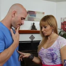 Lea Lexis in 'Naughty America' and Johnny Sins in I Have a Wife (Thumbnail 2)