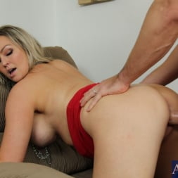Abbey Brooks in 'Naughty America' and Johnny Castle in My Wife's Hot Friend (Thumbnail 5)