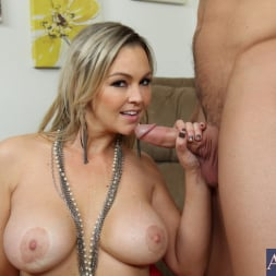 Abbey Brooks in 'Naughty America' and Johnny Castle in My Wife's Hot Friend (Thumbnail 11)