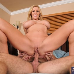 Holly Claus in 'Naughty America' and Mirko in Seduced by a cougar (Thumbnail 7)
