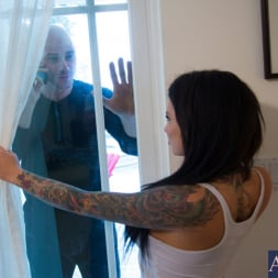 Christy Mack in 'Naughty America' and Johnny Sins in My Girlfriend's Busty Friend (Thumbnail 1)