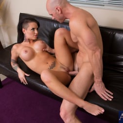 Christy Mack in 'Naughty America' and Johnny Sins in My Girlfriend's Busty Friend (Thumbnail 13)