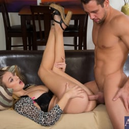 Natalia Starr in 'Naughty America' and Johnny Castle in My Sisters Hot Friend (Thumbnail 12)