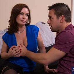 Diamond Foxxx in 'Naughty America' and Johnny Castle in Seduced by a cougar (Thumbnail 2)
