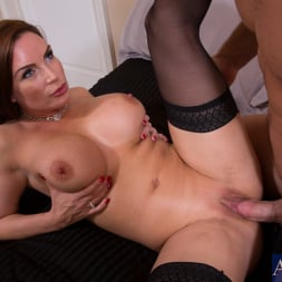 Diamond Foxxx in 'Naughty America' and Johnny Castle in Seduced by a cougar (Thumbnail 6)