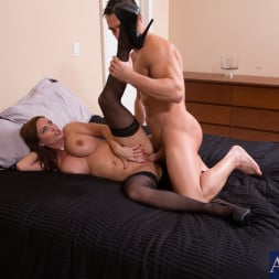 Diamond Foxxx in 'Naughty America' and Johnny Castle in Seduced by a cougar (Thumbnail 13)