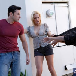 Jessie Cash in 'Naughty America' and Ryan Driller in My Friends Hot Mom (Thumbnail 1)