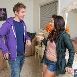 Mia Gold in 'Naughty America'  and Danny Wylde in My Sisters Hot Friend (Thumbnail 1)