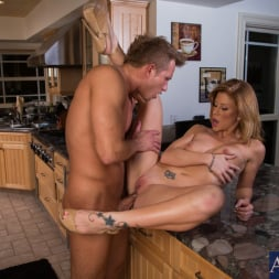 Brooklyn Lee in 'Naughty America' and Bill Bailey in My Wife's Hot Friend (Thumbnail 6)