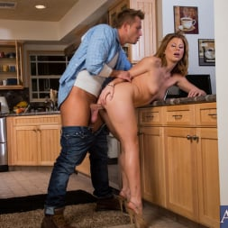 Brooklyn Lee in 'Naughty America' and Bill Bailey in My Wife's Hot Friend (Thumbnail 13)